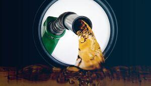 BR Distribuidora avança e Petrobras recua com problema em gasolina de aviação