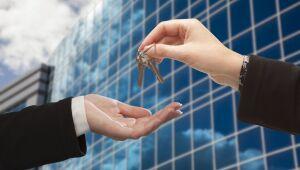 Crowdfunding reforça tradição do investimento em imóveis apesar da multiplicação das placas de aluga-se