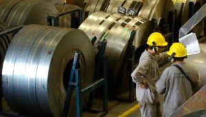 Vale e siderúrgicas têm queda com desvalorização do minério de ferro