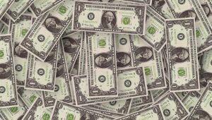 Dólar fecha em R$ 5,76 com novas medidas de lockdown na Europa