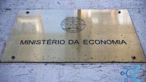 Ministério mantém projeção de queda do PIB em 4,7% neste ano