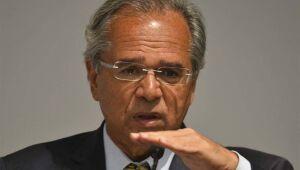 """Guedes diz que economia do país se recupera em """"V"""""""