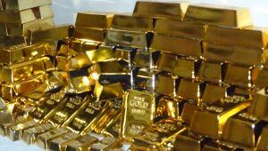 Ouro cai e petróleo dispara com novidades sobre vacina da Pfizer