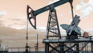 Preços do petróleo bruto sobem à medida que apetite pelo risco retorna