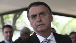 Bolsonaro quer isenção do visto para chineses