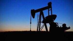 Estoques de petróleo aumentaram em 4,2 milhões de barris na semana passada