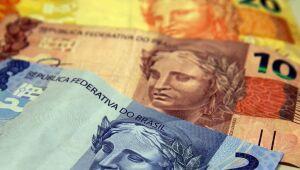 Endividamento e inadimplência crescem no país em agosto, diz CNC