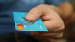Moody's: tecnologia aumenta a inclusão financeira em países emergentes