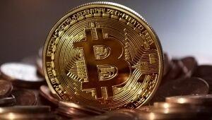 Bitcoin bate na porta do recorde de US$ 50.000 com BNY Mellon se juntando ao 'Hodl'