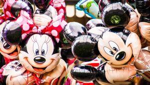 Disney salta enquanto parques temáticos atraem multidões