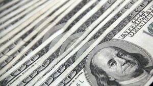 Dólar fecha em R$ 5,64 e tem maior alta para um dia em seis meses