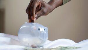Fundos de ações têm o menor valor alocado em renda fixa desde janeiro de 2015, diz Economatica