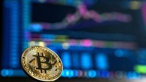 Criptomoedas: Bitcoin cai e fica abaixo dos US$ 63 mil; Chainlink avança mais de 13%