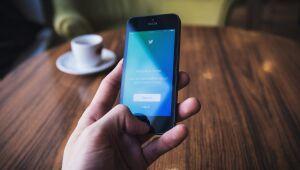 Ações do Twitter caem com menor crescimento de usuários