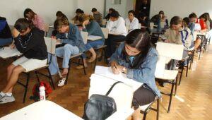 Cerca de 500 mil professores da rede pública receberão capacitação para ensinar educação financeira