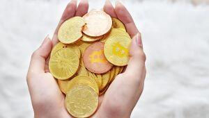 Criptomoedas: Binance Coin sobe mais de 7%, enquanto Chainlink cai quase 2%; Bitcoin avança
