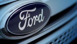 Ford (FDMO34) anuncia fim de produção de carros na Índia e corte de 4 mil empregos
