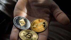 Bitcoin e Cardano em queda, Chainlink subindo; confira as últimas novidades do setor