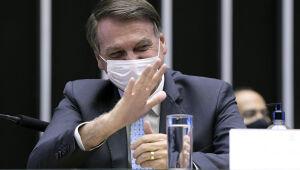 Destaques: Bolsonaro ataca lockdowns e China e EUA trocam farpas