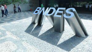 Participação do BNDES em empresas na Bolsa tem menor nível desde 2010