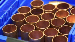 Esperanças de reflação levam o cobre à máxima de 9 anos; ouro supera US$ 1800