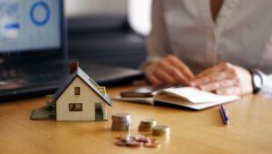 Mercado imobiliário deve desacelerar em 2021, acreditam pesquisadores e professor da FGV