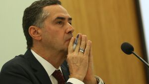 Ministro do STF envia à PGR ação sobre live do presidente da República