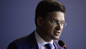 Auxílio Brasil deve ser de R$ 300 por mês e atingir 17 milhões de pessoas, diz ministro