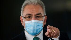 Vacinação é imprescindível para a retomada da economia, diz ministro da Saúde