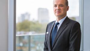 Renda fixa em moeda estrangeira pode trazer boas oportunidades para investidor, afirma Emmanuel Roma