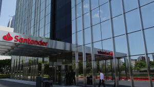 Santander Brasil compra marketplace imobiliário Apê11