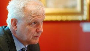 """Saída do BCE das medidas de crise será """"bem gradual"""", diz Rehn"""