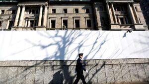 Novo ministro das Finanças do Japão alerta para mudança brusca no iene
