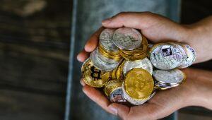 Criptomoedas hoje: Bitcoin avança 3,3%; Polkadot dispara 28,8% na última semana