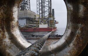 Em meio a alta dos preços do petróleo, Opep discute aumento de produção nesta segunda-feira (4)