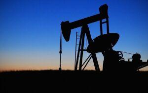 Petróleo prolonga rali com poucas interrupções após previsão de 4ª semana consecutiva de aumento