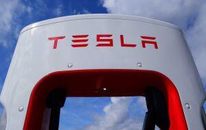 Morgan Stanley mantém preço-alvo de US$ 900 para Tesla (NASDAQ:TSLA) às vésperas de resultado