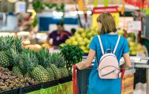 Inflação pesa nas compras no supermercado, avalia especialista