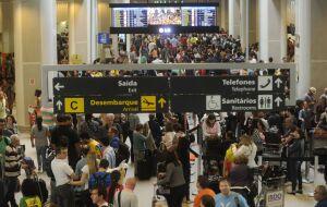 SP desativa barreiras sanitárias no aeroporto e terminais de ônibus