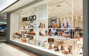 Vendas digitais impulsionam balanço da Arezzo; analista recomendam compra