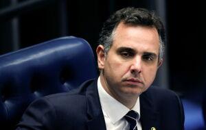 Presidente do Senado quer mediar reunião entre estados e Petrobras