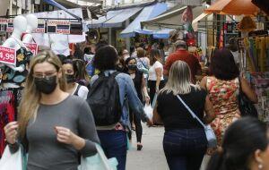 Confiança do comércio cai 3,1% em outubro, diz CNC