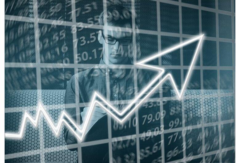 É possível investir com responsabilidade em ações no atual momento