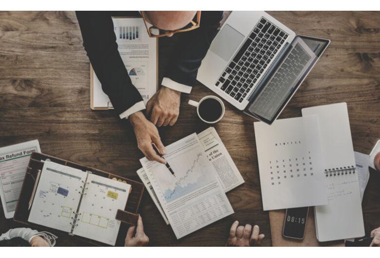 Como acessar oportunidades de investimento em empresas privadas e o que analisar para decidir?