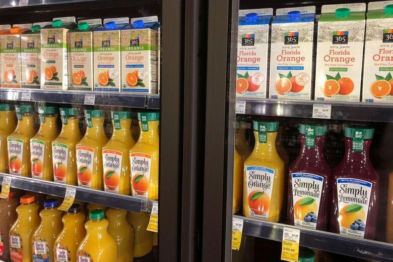 Suco de laranja em supermercado