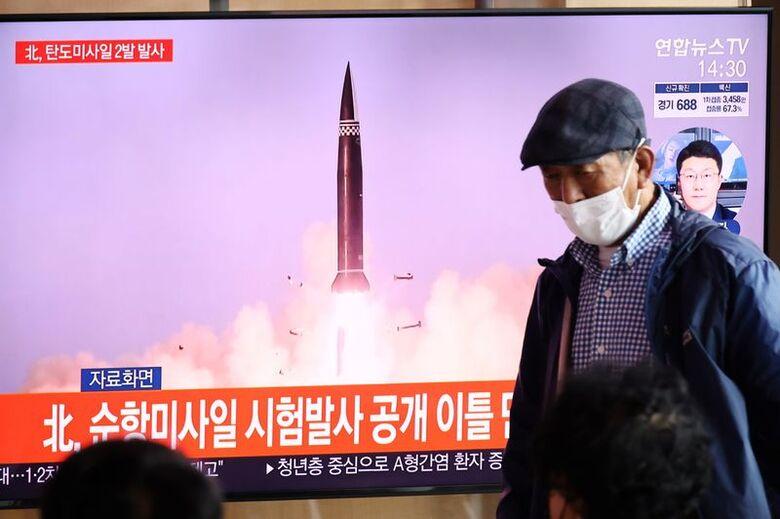 Notícia sobre lançamento de misseis em Seul