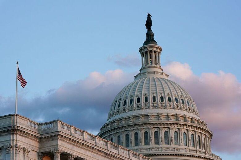 Reuters. O Capitólio ao pôr do sol em Washington, EUA, 30 de setembro de 2021. REUTERS/Elizabeth Frantz
