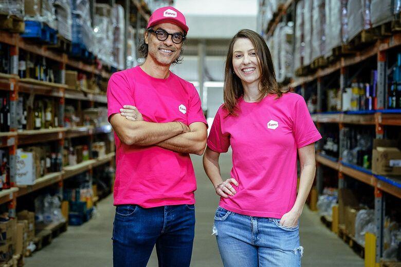 Alejandro Ponce e Marina Proença, fundadores da startup Favo