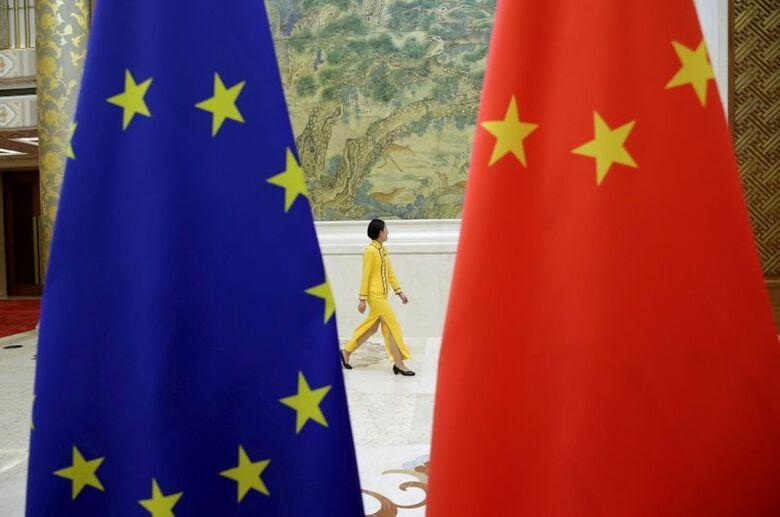 Bandeiras da UE e da China