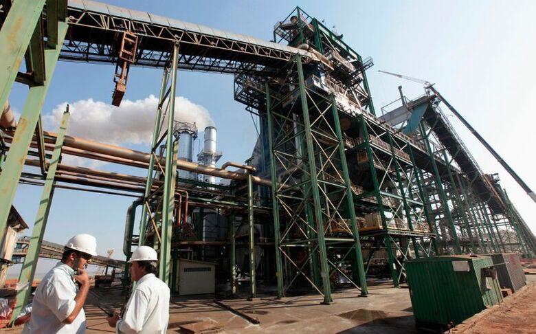 Usina de processamento de cana-de-açúcar em Valparaíso (SP)